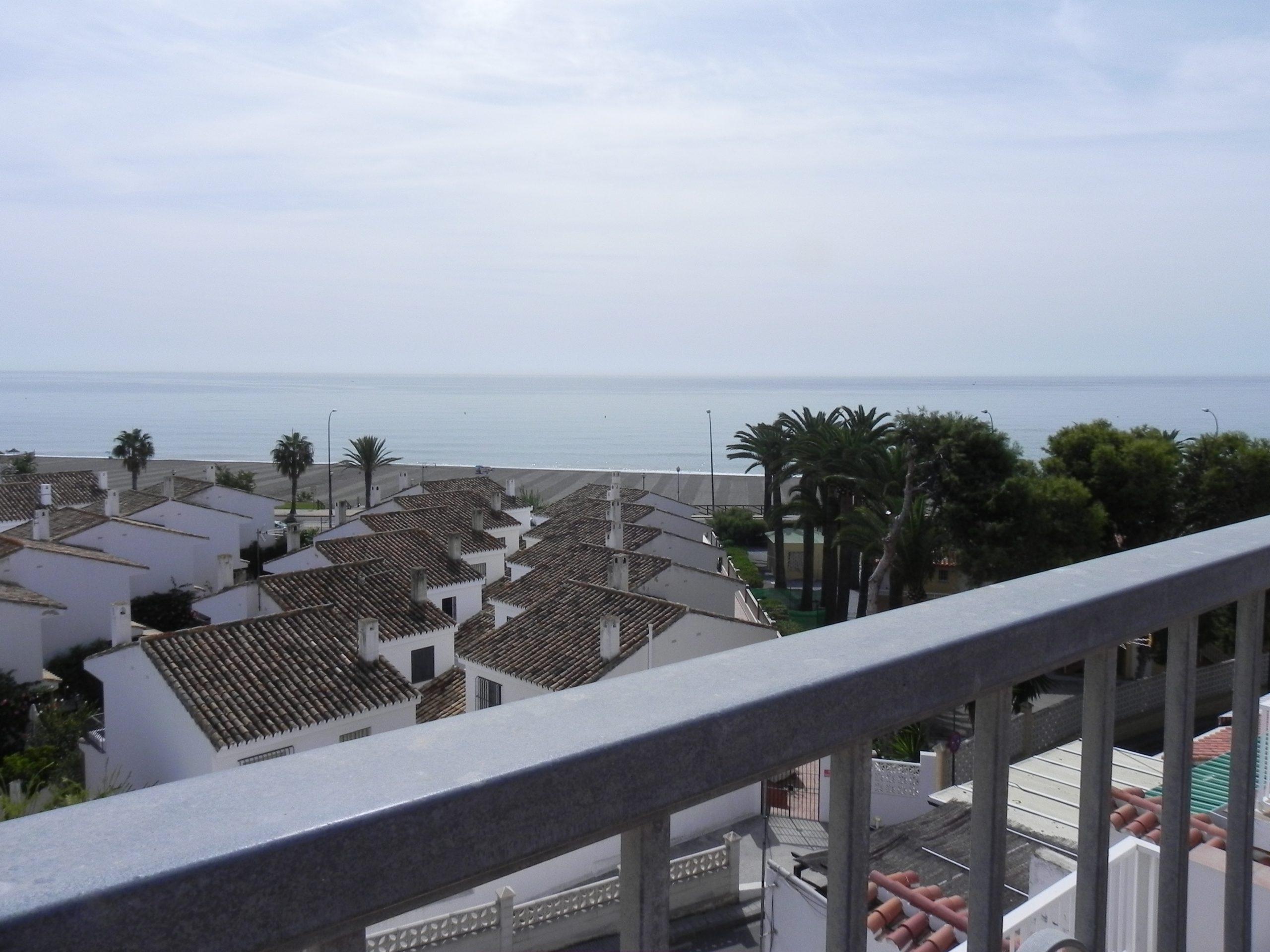 Apartamento tipo Chalet con vistas al mar.